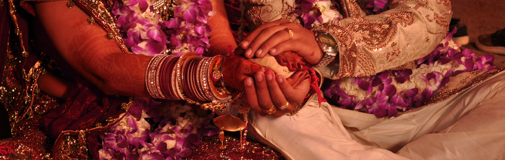 Manglik Matrimony Sites Combine Benefits of Love and Arrange Marriage